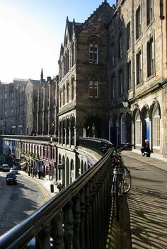 Upper-Level Public Space Offering Grade-Separated Travel to Bicyclists Victoria Street, Edinburgh, Scotland