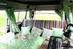 Suzy's Vintage Attic: The romance of the VW campervan & The vintage caravan featured in Joules catalogue Source Vintage Caravans, Vintage Trailers, Vintage Campers, Camper Life, Camper Van, Vw Bus, Vw Camping, Camping Ideas, Kombi Home