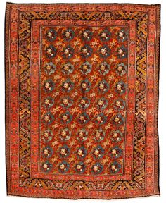 Antique Bidjar Carpet (ویژگی شاخص قالی بیجار، ساختار متراکم این قالی هاست. بافت آنها به گونهایست که نمیتوان آنها را تا کرد. در مراحل اولیه تجارت فرش، این گونه فرشها را «لول» مینامیدند. این کلمه بیانگر استحکام بیش از حد فرشهای بیجار است)