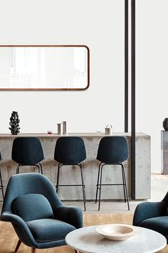 Adding to Pato Table's appeal is a range of heights, table top sizes and shapes. The lower height is designed to intuitively accommodate lounge settings, break-out spaces in corporate scenarios or public waiting areas. #fredericiafurniture #patotable #patotableseries #danishdesign #interiordesign #loungeareas #barareas #corporatesettings #modernoriginals #craftedtolast Bar Areas, Lounge Areas, Waiting Area, Danish Design, Dining Chairs, Interior Design, The Originals, Modern, Tables