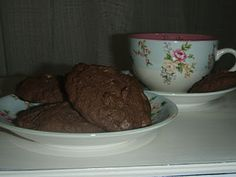 GLUTEN FREE DOUBLE CHOC CHIP COOKIES - change butter to nuttlex to get dairy free as well.