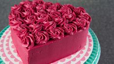 Serves 1 cake Ingredients Cake 4 ½ tbsp ml) natural cocoa powder 4 ½ tbsp ml) red food colouring ¾ cup ml) butter ¾ cup ml) shortening 2 ¼ cups ml) sugar 1 ½ tsp ml) vanilla extract 5 eggs 3 ¾ cups ml) flour 3 tbsp […] 2 Tier Cake, Tiered Cakes, Buttercream Cake, Fondant Cakes, Velvet Cake, Red Velvet, Heart Shape Cake Design, Circle Cake, Heart Shaped Cakes