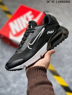 Do you think I should buy it? Mens Nike Air, Nike Air Vapormax, Nike Men, Nike Vapor, Black Running Shoes, Running Women, Black Nikes, Air Max Sneakers, Black And White