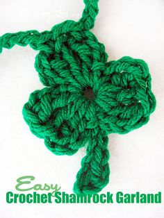 super simple crochet shamrock garland to decorate for St Patrick's Day!  #crochet http://www.skiptomylou.org/2009/03/13/crochet-shamrock-garland/