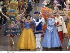 MEDIA MAGIC: LA PARADE DES RÊVES DISNEY A DISNEYLAND RESORT PARIS : Entretien avec Sue Lecash, créatrice des costumes
