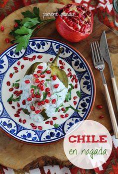 Chile en nogada - piment farci à la mexicaine, sauce aux noix - stuffed mexican chili in walnut sauce