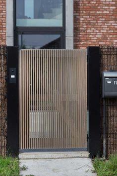 Wooden Fence Gate, Metal Garden Gates, Garden Design Plans, Fence Design, Small Courtyard Gardens, Outdoor Gardens, Design Hotel, Backyard Fences, Backyard Landscaping