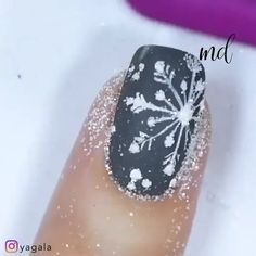 Get into the spirit of Winter holidays through these pretty designs ❄ By: Yagala Joan Holiday Makeup, Holiday Nails, Winter Nail Designs, Nail Art Designs, Cute Nails, Pretty Nails, Gel Nail Tips, Nail Art Techniques, Pretty Designs