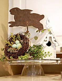 Easter decoration: Birdhouse, Nest & Flying Bunny on a Cake Plate ~ The touches of greenery make all the difference. Hoppy Easter, Easter Eggs, Easter Art, Easter Bunny, Easter Crafts, Easter Decor, Easter Ideas, Easter Centerpiece, Bunny Crafts