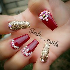 Red and gold nails. Coffin shape nails.