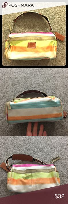 ✨ Coach poppy fabric leather stripe hobo authentic Coach small poppy fabric and leather hobo bag authentication number cute bag non-smoking home fast delivery at an excellent price get it today Coach Bags Hobos Coach Poppy, Luxury Bags, Hobo Bag, Hermes Kelly, Coach Bags, Poppies, Smoking, Delivery, Number
