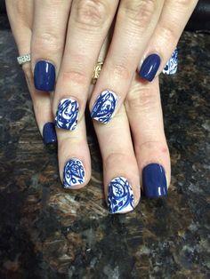 Shellac nail design
