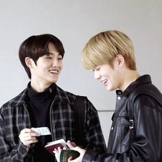 Super cute smiles. #WinWin #Jaehyun