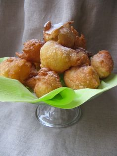 La cuisine d'ici et d'ISCA: Pets de nonne (Mardi-Gras)