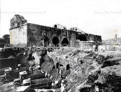 Via dell'Impero (Via dei Fori Imperiali). Opera di sbancamento della Velia sulla fronte del Colosseo Anno: 1932