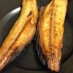 焼き魚で一番好きなホッケ干物。 今日は半分くらい猫にとられました。 - 63件のもぐもぐ - ホッケ干物焼き by lemonpai2001