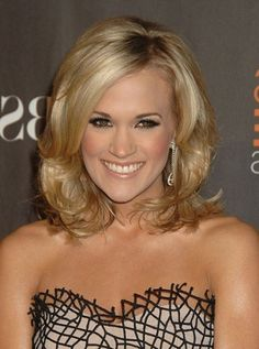 Carrie Underwood Short Hair - love this length and bouncy layers