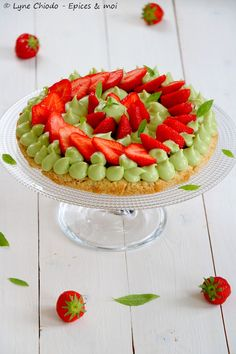 http://www.epicesetmoi.be/2018/05/tarte-aux-fraises-creme-a-lavocat-et-verveine.html