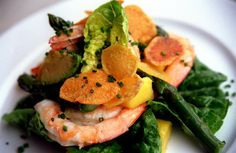 This elegant salad of prawns, asparagus and mango on soft salad leaves picked from the vegetable garden makes an elegant Christmas day starter. Prawn Salad, Seattle Food, Asparagus Salad, Mango Salad, Fish Dishes, Foods To Eat, Fish And Seafood, Recipe Collection, Fish Recipes