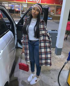 May 2020 - outfit inspiration Swag Outfits For Girls, Teenage Outfits, Cute Swag Outfits, Chill Outfits, Mode Outfits, Fresh Outfits, Girls Winter Fashion, Black Girl Fashion, Winter Fashion Outfits