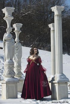 I want a gown like this (but in white)for my wedding gown Fantasy Dress Fairy dress Renaissance dress Costume Renaissance Dresses, Medieval Dress, Medieval Fantasy, Cosplay Dress, Costume Dress, Larp, Fairy Dress, Fantasy Costumes, Fantasy Dress