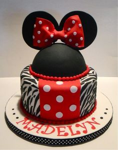 Minnie Mouse Birthday cake - Rosalie Baby Name - Ideas of Rosalie Baby Name - Minnie Mouse Birthday cake Mickey Mouse Torte, Mickey And Minnie Cake, Minnie Mouse Birthday Cakes, Minnie Mouse Party, Disney Mickey, Fancy Cakes, Cute Cakes, Pretty Cakes, Biscuits