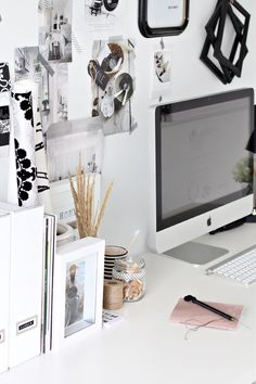 Love the organised chaos of this desk