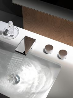 Grifería de Dorn Bracht #diseño #grifos #baños