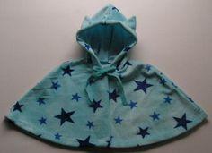 Baby cape(wel niet gevoerd, maar dan delen buitenkant 2 keer knippen en met een keergat aan elkaar zetten moet ook lukken hé)