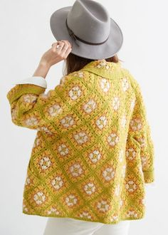 Crochet this beautiful granny square sweater project using a light weight or sport yarn - Granny Crochet Coat, Crochet Jacket, Crochet Cardigan, Crochet Granny, Cute Crochet, Crochet Clothes, Crochet Hooks, Granny Square Sweater, Cardigan Pattern