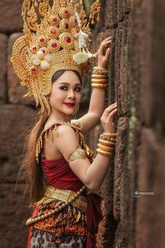 Hot Seen, Asian Woman, Asian Girl, Thailand Costume, Thai Model, Thai Style, Beautiful Asian Women, Headdress, Traditional Outfits