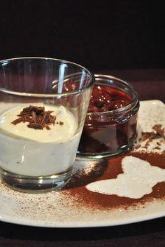 Eierlikör-Creme mit Zartbitterschokolade & heißen Kirschen