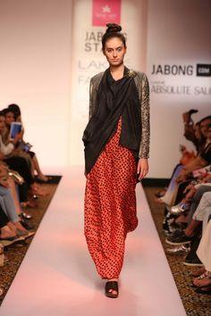 Lakmé Fashion Week – LOTUS SUTR BY KARISHMA JAMWAL AT LFW SR 2015