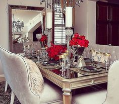 CocosCollections We ❤️Your Style! Classically beautiful angles reign in dining room full of ladylike splendor. Featuring: the Empire Dining Table, Charlotte Banquette, and Omni Leaner Mirror ✨ Elegant Home Decor, Luxury Home Decor, Elegant Homes, Luxury Homes, Diy Home Decor, Best Interior Paint, Room Interior Design, Interior Decorating, Decorating Tips