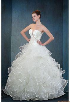 Suknia ślubna Royal Splendor Samsara 2012/2013