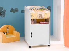 Modernisez le change de bébé avec ce meuble à langer sur roulettes ! Il se déplacera très bien de la chambre à la salle de bain grâce à ses 4 roulettes dont 2 à frein.