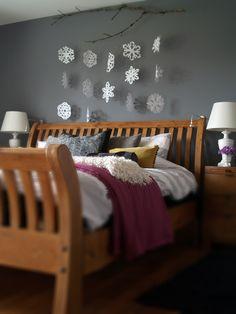 DIY paper snowflakes. That bedroom got seriously snowed in!