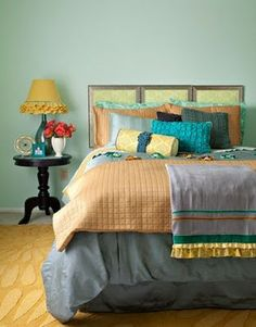 adore all the color in this bedroom