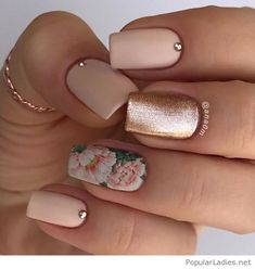 Nude nails, glitter and flowers