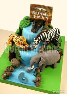 Jungle themed cake personally I love this I have always loved wild animals so I just fell in love with this cake. Jungle Theme Cakes, Jungle Theme Birthday, Safari Cakes, Jungle Party, Safari Party, Birthday Ideas, Fancy Cakes, Cute Cakes, Fondant Cakes