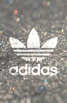 Adidas Straße