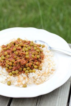 Arabic Pea Stew-Bazalia- stew to add on top of rice. Use fresh tomatoes or pureed tomatoes instead of tomato paste