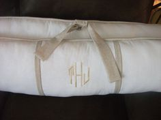 THIS IS A CLASSY BUMPER PAD CRIB SET. IT IS MADE WITH HEAVY DUTY HIGH QUALITY FABRIC. THE WHITE IS COTTON AND THE TAUPE IS LINEN CAN BE USED FOR A