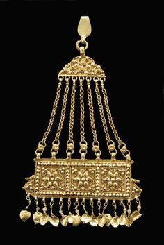 "India | ""Jhumar"" hair ornament.  Gold. Punjab | ca. 1890"