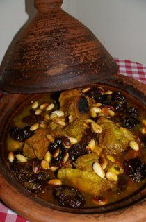 "Lamb""Tajine"" with almonds and prunes (Moroccan food ) Tajin Recipes, Meat Recipes, Cooking Recipes, Morrocan Food, Algerian Recipes, Pause Café, Nigerian Food, Ramadan Recipes, Exotic Food"