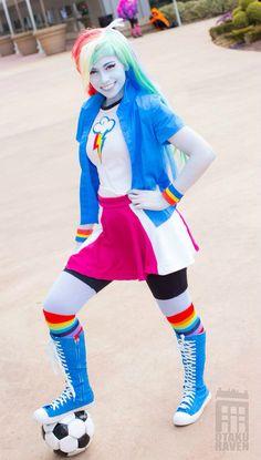 Image from http://pre06.deviantart.net/d55b/th/pre/i/2015/069/8/0/equestria_girls__rainbow_dash_by_cosplayhazard-d8l8vwo.jpg.