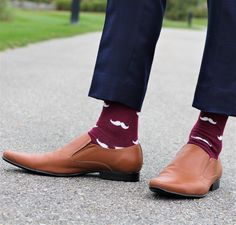 Groomsmen socks in variety of colors that matches your wedding theme with personalized labels for socks. Available in elegant design like Argyle, polka dots, Mustache etc. Asking Groomsmen, Navy Socks, Groomsmen Socks, Personalized Labels, Mustache, Spice, Oxford Shoes, Burgundy, Wedding Day