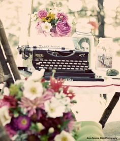your-day-in-white:    The bride and groom used a vintage typewriter as a creative alternative to a guest book.