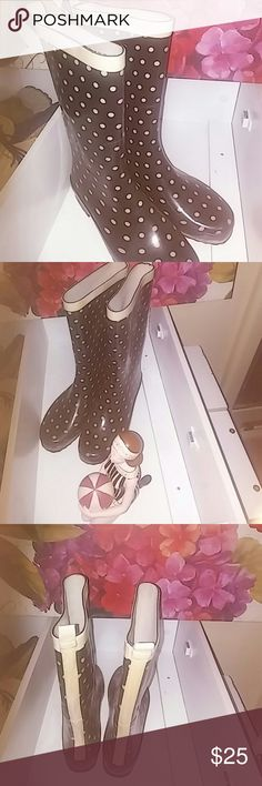 Hardly worn rainboots. It doesn't ☔much in Ca! These are so cute. Polk a dots are always fun and happy. Maybe worn twice but I'm thinking only once. They are the perfect rainboots. Stylish and practical. gma nyny Shoes Winter & Rain Boots