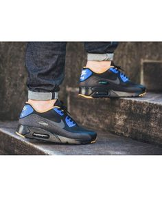 yes its the super one http://www.air90max.nl/nike-air-max-90-ultra-essentieel-racer-blauw-heren-schoenen